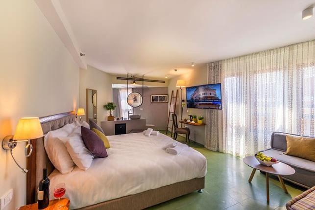 חדרי מלון